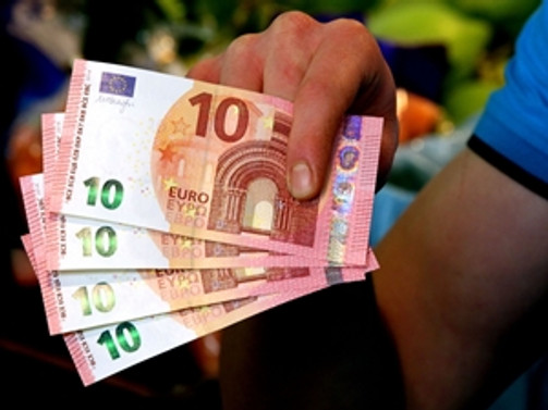 Yeni 10 euroluk banknot piyasada