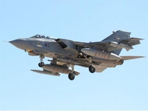 Ve İngiliz jetleri Kıbrıs'tan havalandı!