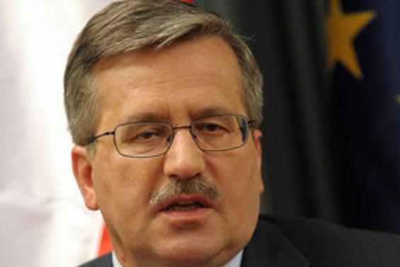 Polonya'daki seçimlerde Komorowski önde