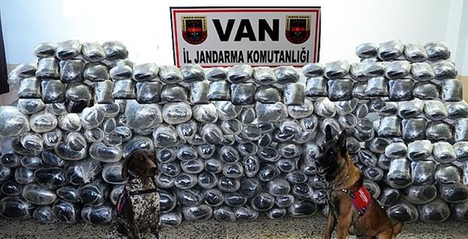 Van'da 3 ton esrar ele geçirildi!