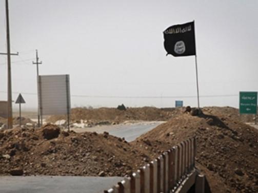 IŞİD yol kesip 40 kişiyi rehin aldı!