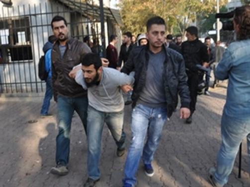 İstanbul Üniversitesi'nde operasyon: 42 gözaltı