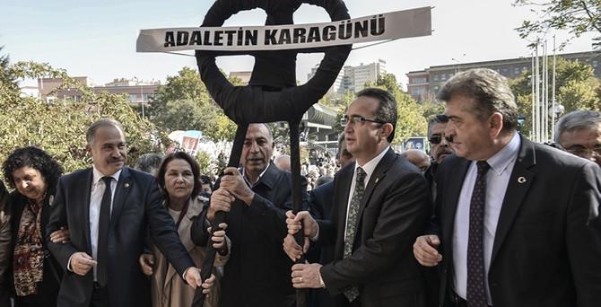 CHP'den 'Adaletin kara günü' eylemi