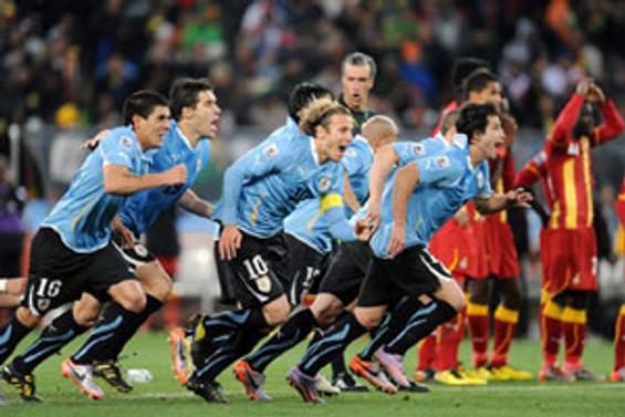 Uruguay yarı finale penaltılarla çıktı