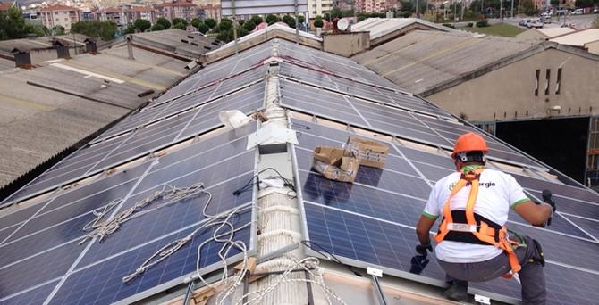 Şirketler artık kendi elektriğini üretiyor