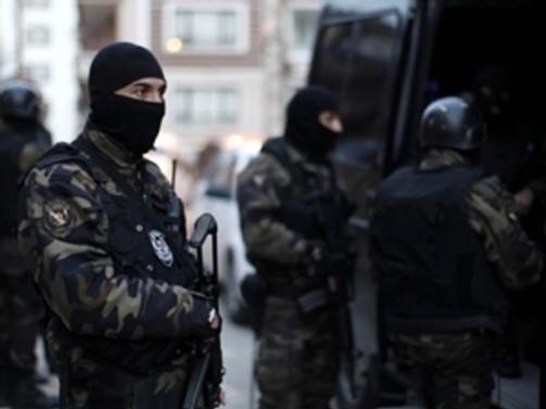 Bin polisle hava destekli operasyon: 20 gözaltı!