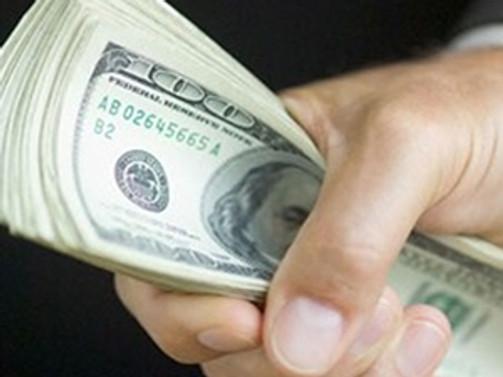 Dolar, yeniden bir ayın dibinde