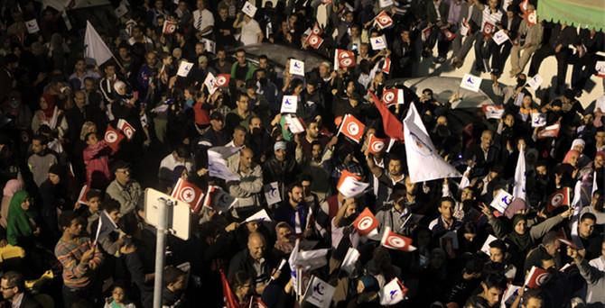Tunus halkı, laikleri seçti