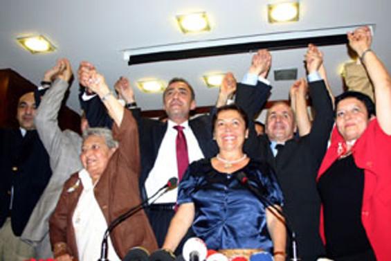 SHP ve EDP'den 1000 kişi CHP'ye katıldı