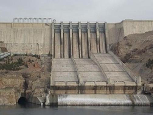 Baraj inşaatında düşen işçi öldü