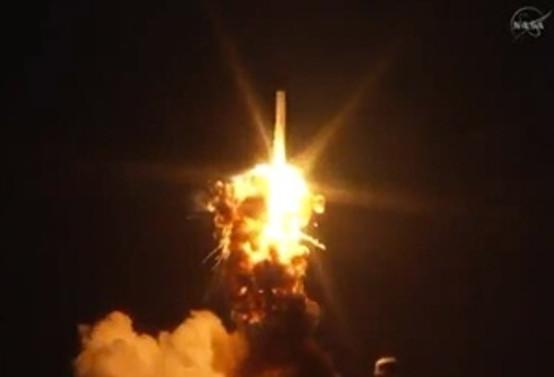 NASA'nın insansız uzay roketi havada infilak etti