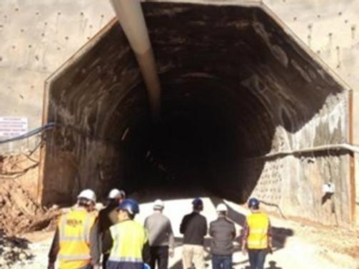 Türkiye'yi K.Irak'a bağlayacak tüneli tamamladı