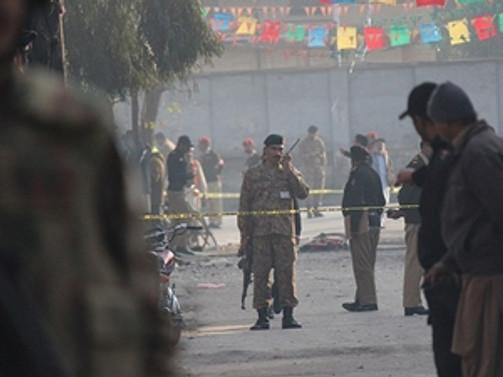 Pakistan'da intihar saldırısı: 48 ölü
