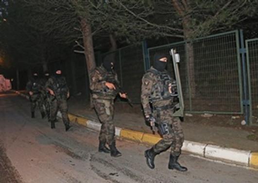 İstanbul'da operasyon:8 gözaltı