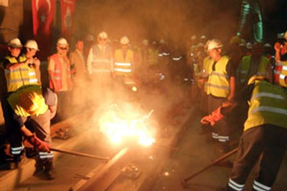 Kartal-Kadıköy Metrosu'nun rayları döşenmeye başladı