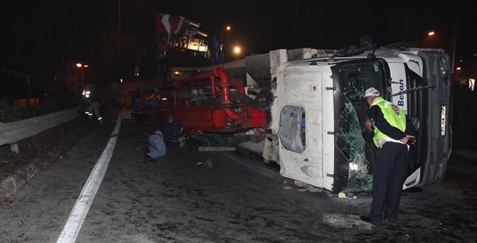 Beton pompası devrildi: 2 yaralı!