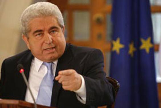 Türkiye'nin AB yolu Kıbrıs'tan geçiyor