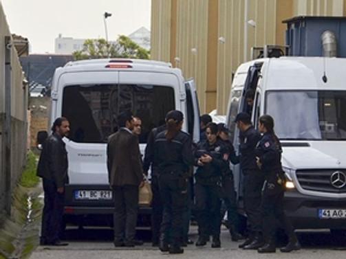 11 polise tutuklama talebi