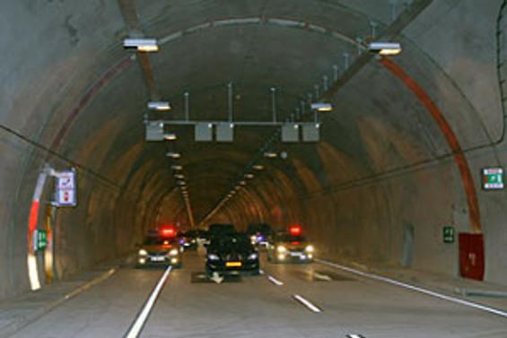 Tünellere hız kontrolü