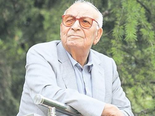 Bilgi'den Yaşar Kemal'e fahri doktora