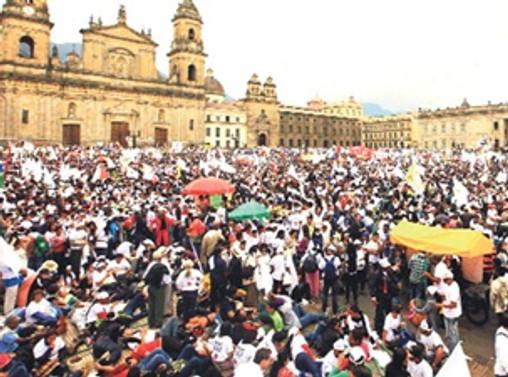 Kolombiya'da barış görüşmelerine ara verildi