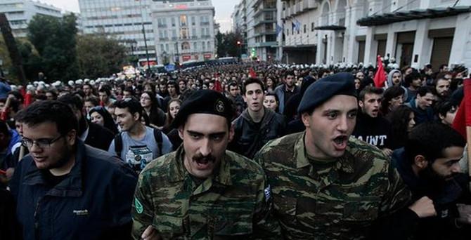 Yunanistan'da protestolar sürüyor