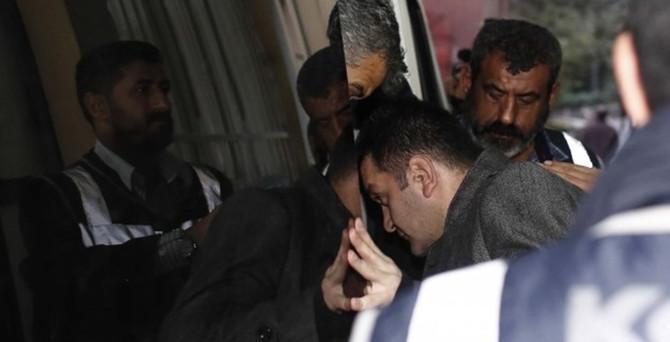 'Yasa dışı dinleme'de 5 polise yakalama kararı