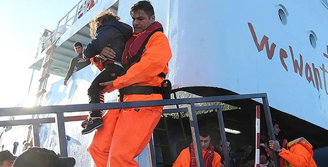 300 mülteci kurtarıldı