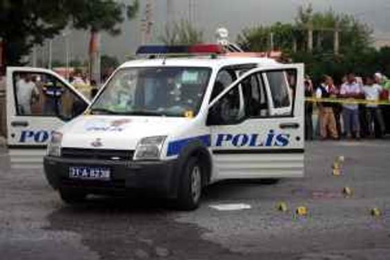 Hatay'da polis otosuna saldırı: 4 şehit