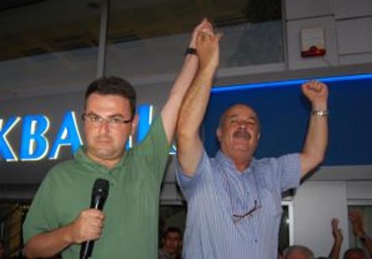 İki belediye başkanı açığa alındı