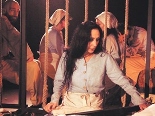 'Cadı Kazanı' 45 yıl sonra sahneleniyor