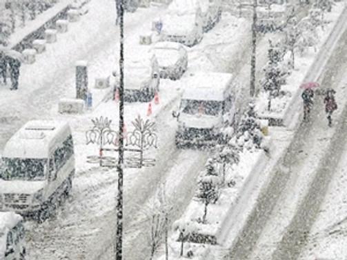 Kar nedeniyle eğitime 1,5 gün ara verildi