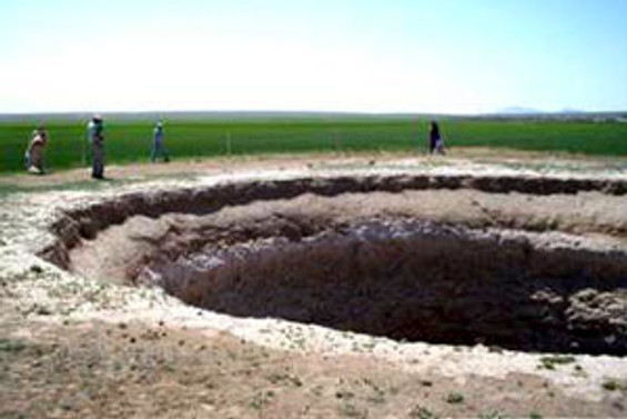 Konya'da 10 metrelik yeni bir obruk oluştu