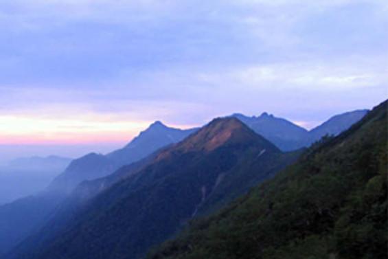 Japonya'daki 'lanetli dağ' iki kişiyi daha aldı
