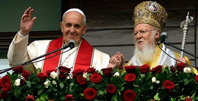 Papa ve Patrik ortak bildiri imzaladı