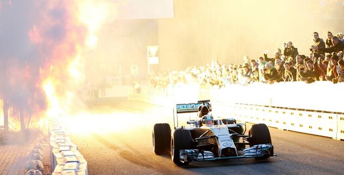 Hamilton 2'nci kez kazandı