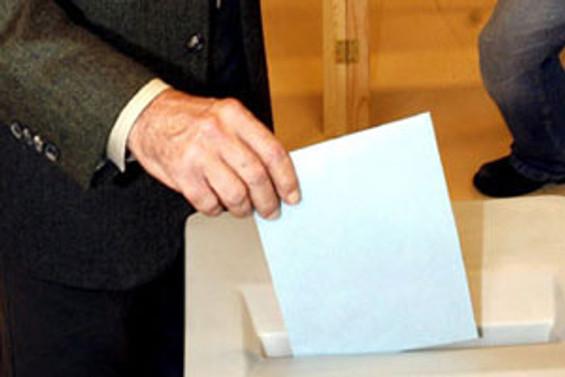 Polonya'da seçimleri Yurttaş Platformu kazandı