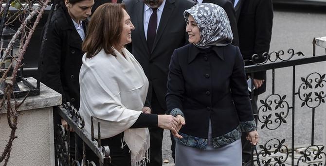 Davutoğlu'ndan Kılıçdaroğlu'na taziye ziyareti