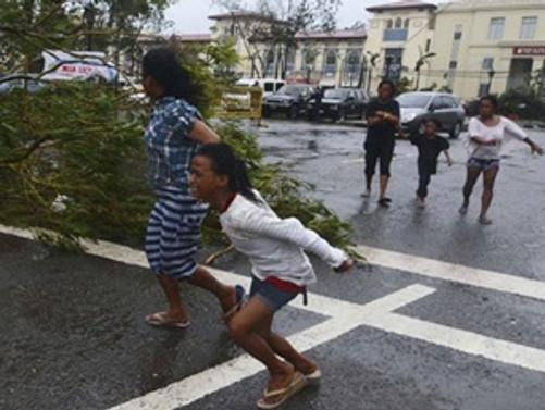 Filipinler tayfuna hazırlanıyor