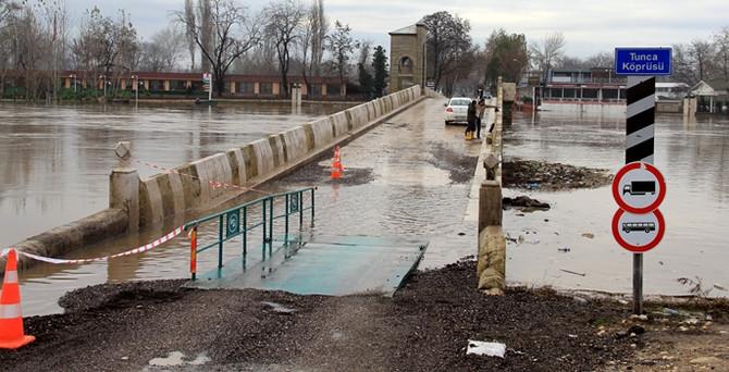 Edirne'de köprüler trafiğe açıldı