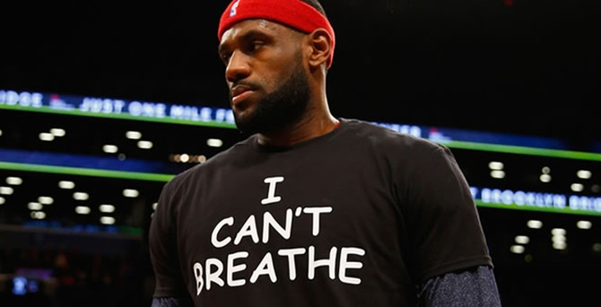 NBA ve NFL sporcuları siyahilere şiddeti protesto ediyor