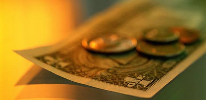 Dolar yılın zirvesinde