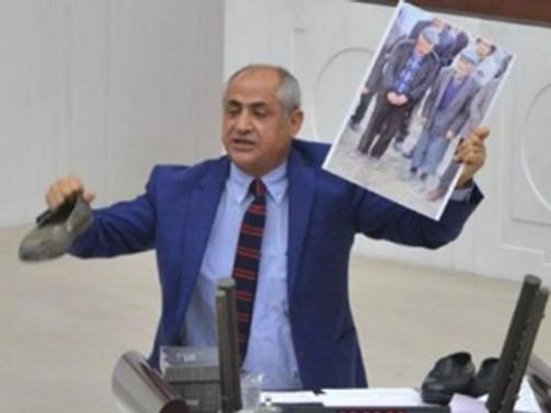 Meclis'te 'lastik ayakkabılı eylem'