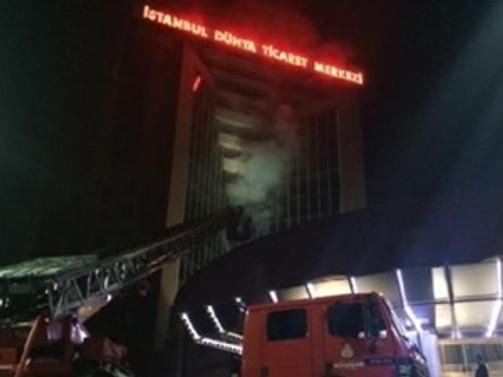 Dünya Ticaret Merkezi'nde korkutan yangın