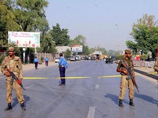 Eve silahlı saldırı: Aynı aileden 10 ölü