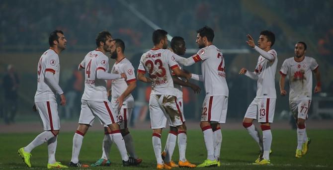 Cimbom İzmir'de gol oldu yağdı