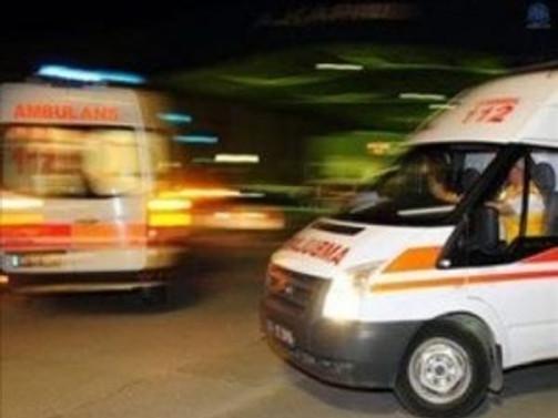 Ambulans devrildi: 1 ölü, 2 yaralı