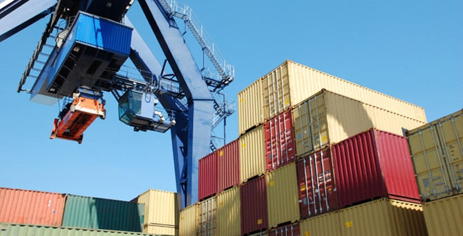 Nisan ayında dış ticaret açığı azaldı