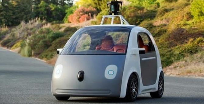 Google sürücüsüz otomobilini paylaştı