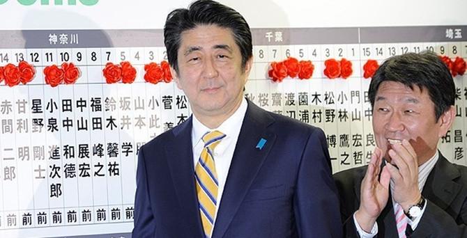 Japonya'da Abe, yeniden başbakan seçildi